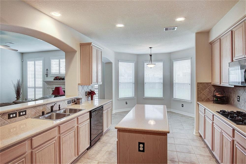 Fresh Painted Interior of Dining Area and Kitchen in Cypress, TX Residence